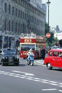 Busy traffic in London 1999