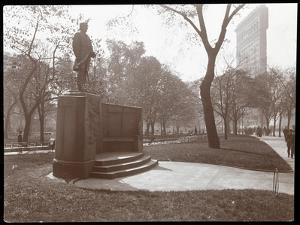 David Glasgow Farragut Statue in Madison Square Park, New York, c.1905 by Byron Company