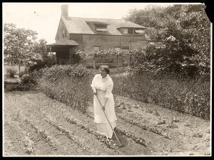 Emily Wakeman Hartley, c.1913 by Byron Company