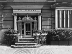 Entrance to the Hotel Wellington, 871 7th Avenue, New York, 1907 by Byron Company