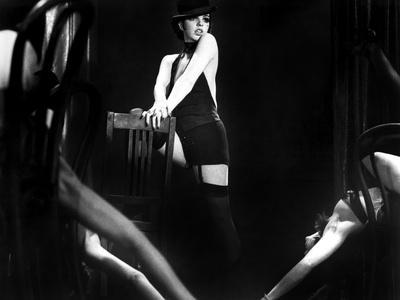 https://imgc.allpostersimages.com/img/posters/cabaret-liza-minnelli-1972_u-L-Q12PDVH0.jpg?artPerspective=n