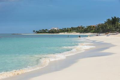 https://imgc.allpostersimages.com/img/posters/cabbage-beach-paradise-island-nassau-new-providence-bahamas-caribbean_u-L-Q12SB4B0.jpg?p=0