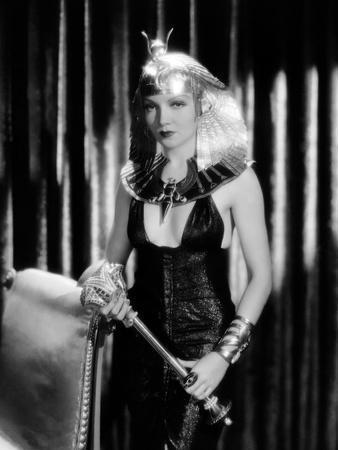 https://imgc.allpostersimages.com/img/posters/caesar-and-cleopatra-1945_u-L-Q1C46PP0.jpg?artPerspective=n