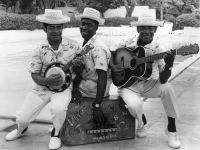 https://imgc.allpostersimages.com/img/posters/calypso-band-members-c-1965_u-L-PPQRKT0.jpg?p=0