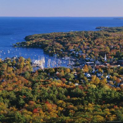 https://imgc.allpostersimages.com/img/posters/camden-harbour-camden-hills-state-park-maine-new-england-usa_u-L-P2QVVN0.jpg?p=0