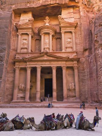 https://imgc.allpostersimages.com/img/posters/camels-at-the-facade-of-treasury-al-khazneh-petra-jordan_u-L-PHAGKH0.jpg?p=0