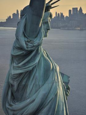 Statue of Liberty by Cameron Davidson