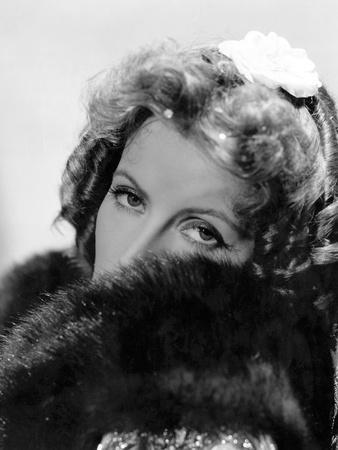 https://imgc.allpostersimages.com/img/posters/camille-by-george-cukor-based-on-a-novel-by-alexandre-dumas-son-with-greta-garbo-1937-b-w-photo_u-L-Q1C3YGO0.jpg?artPerspective=n