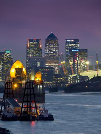https://imgc.allpostersimages.com/img/posters/canary-wharf-and-docklands-skyline-from-woolwich-london-england-united-kingdom_u-L-PWFC660.jpg?p=0