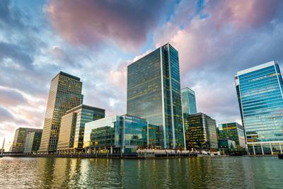 https://imgc.allpostersimages.com/img/posters/canary-wharf-at-dusk-docklands-london-england-united-kingdom-europe_u-L-PWFMNU0.jpg?p=0