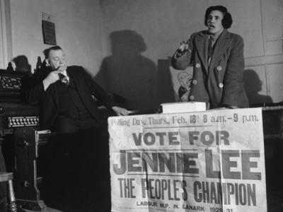 Candidate Jennie Lee Giving Speech
