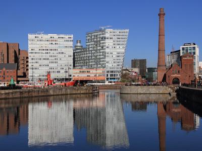 https://imgc.allpostersimages.com/img/posters/canning-dock-liverpool-merseyside-england-united-kingdom-europe_u-L-PHCQTM0.jpg?p=0