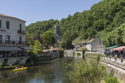 https://imgc.allpostersimages.com/img/posters/canoe-on-river-dronne-brantome-dordogne-aquitaine-france-europe_u-L-PWFGC70.jpg?p=0
