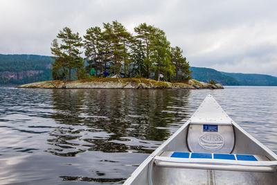 https://imgc.allpostersimages.com/img/posters/canoe-tour-lelang-lake-dalsland-sweden_u-L-Q1EXTNT0.jpg?artPerspective=n