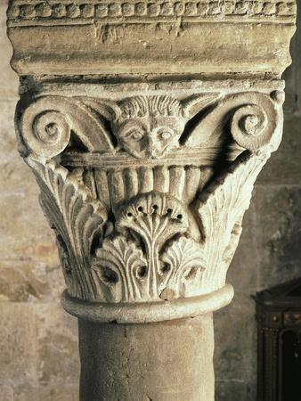 https://imgc.allpostersimages.com/img/posters/capital-of-the-crypt-of-the-san-michele-maggiore-basilica-pavia-italy-11th-15th-centuries_u-L-POPEEA0.jpg?p=0
