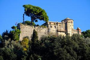 Castello Brown, Portofino, Genova (Genoa), Liguria, Italy, Europe by Carlo Morucchio
