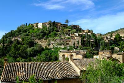 Deia village, Tramuntana Mountain Range, Majorca, Balearic Islands, Spain, Europe