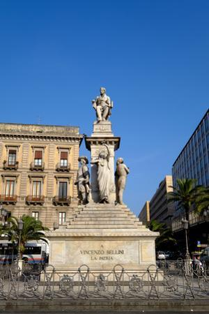 Vincenzo Bellini monument, Piazza Stesicoro, Catania, Sicily, Italy, Europe