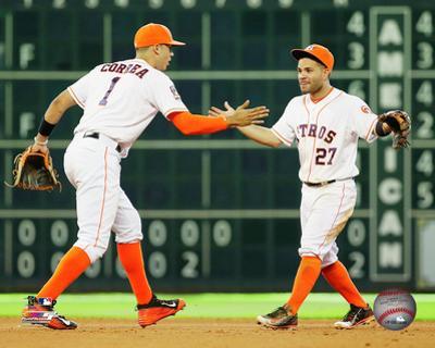 Carlos Correa & Jose Altuve 2016 Action