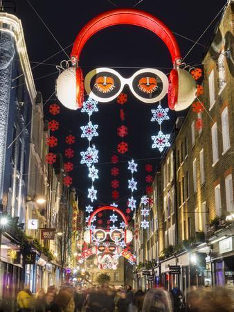 https://imgc.allpostersimages.com/img/posters/carnaby-street-christmas_u-L-Q1AUIIM0.jpg?p=0