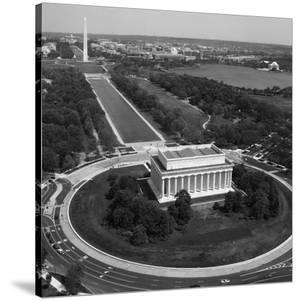 Aerial of Mall showing Lincoln Memorial, Washington Monument and the U.S. Capitol, Washington, D.C. by Carol Highsmith