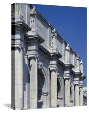 Union Station facade and sentinels, Washington, D.C. by Carol Highsmith