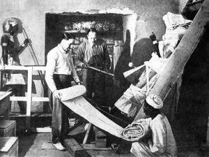 Carter Discoveres the Tomb of Tutankhamen