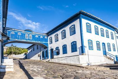 https://imgc.allpostersimages.com/img/posters/casa-da-gloria-diamantina-unesco-world-heritage-site-minas-gerais-brazil-south-america_u-L-PNGBQ40.jpg?p=0
