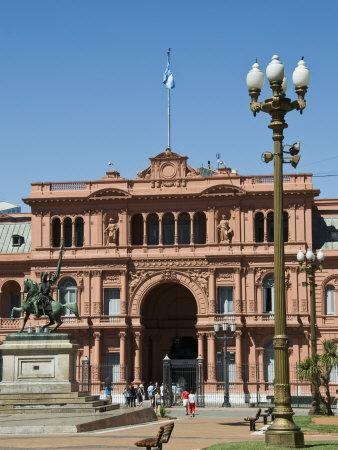 https://imgc.allpostersimages.com/img/posters/casa-rosada-where-juan-peron-appeared-on-this-central-balcony-plaza-de-mayo_u-L-P91WMN0.jpg?p=0