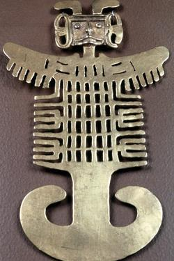Cast Gold Pre-Columbian Figure Pendant, Muisca, Colombia, 1000-1541