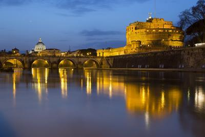 https://imgc.allpostersimages.com/img/posters/castel-sant-angelo-and-st-peter-s-basilica-from-the-river-tiber-at-night-rome-lazio-italy_u-L-PWFG7V0.jpg?p=0
