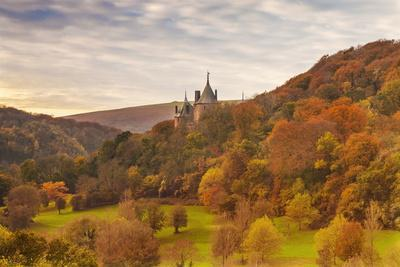 https://imgc.allpostersimages.com/img/posters/castell-coch-castle-coch-the-red-castle-tongwynlais-cardiff-wales-united-kingdom-europe_u-L-PQ8Q9Z0.jpg?artPerspective=n