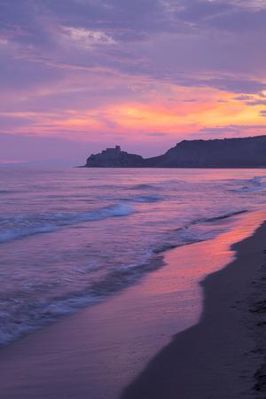 https://imgc.allpostersimages.com/img/posters/castiglione-della-pescaia-roccamare-beach-at-sunset-grosseto-tuscany-italy-europe_u-L-PQ8N7B0.jpg?p=0