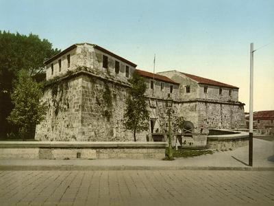 https://imgc.allpostersimages.com/img/posters/castillo-de-la-real-fuerza-habana-1904_u-L-PPQW6X0.jpg?artPerspective=n
