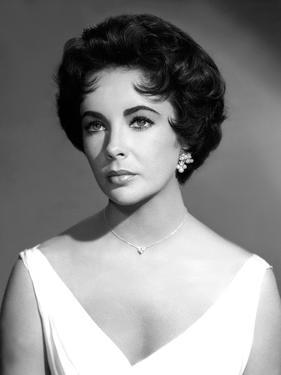 CAT ON A HOT TIN ROOF, 1958 directed by RICHARD BROOKS Elizabeth Taylor (b/w photo)
