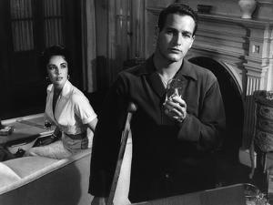 CAT ON A HOT TIN ROOF, 1958 directed by RICHARD BROOKS Elizabeth Taylor / Paul Newman (b/w photo)