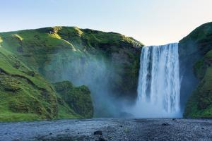 Skogafoss by Catharina Lux