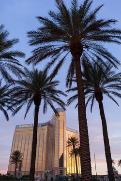 USA, Las Vegas, Hotel Mandala Bay, Evening Light by Catharina Lux