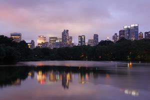 USA, New York City, Manhattan, Central Park, the Lake, View Westwards, Dusk by Catharina Lux