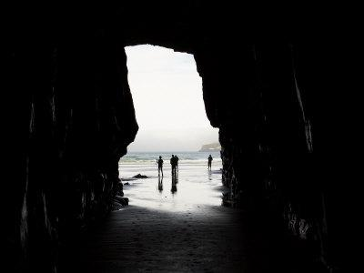 https://imgc.allpostersimages.com/img/posters/cathedral-cave-catlins-coast-south-island-new-zealand_u-L-P2TATQ0.jpg?p=0