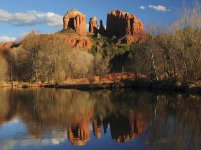 https://imgc.allpostersimages.com/img/posters/cathedral-rock-reflections-at-sunset-red-rock-crossing-sedona-arizona-usa_u-L-PHADPD0.jpg?p=0