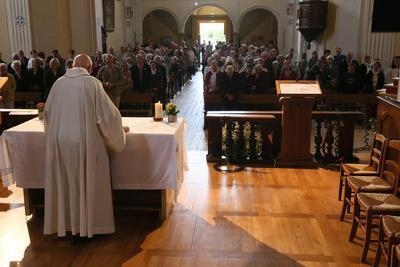 https://imgc.allpostersimages.com/img/posters/catholic-mass-saint-nicolas-de-veroce-church-saint-nicolas-de-veroce-france_u-L-Q1GYLQ50.jpg?artPerspective=n