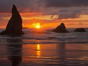 Sunset, Bandon Beach, Oregon, USA by Cathy & Gordon Illg
