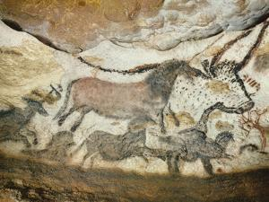 Cave of Lascaux, Great Hall, Left Wall: First Bull, Red Horse, Brown Horses, C. 17,000 BC