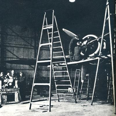 'The ground crew's work is never done', 1941 by Cecil Beaton