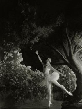 Vanity Fair - December 1935 by Cecil Beaton