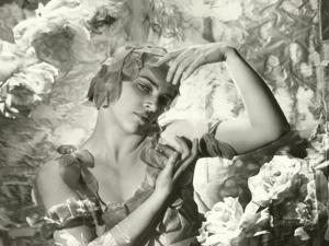 Vanity Fair - July 1935 by Cecil Beaton
