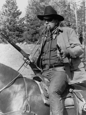 Cent Dollars pour un Sherif TRUE GRIT by Henry Athaway with John Wayne, 1969 (b/w photo)