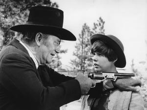 Cent Dollars pour un Sherif TRUE GRIT by Henry Athaway with John Wayne and Kim Darby, 1969 (b/w pho