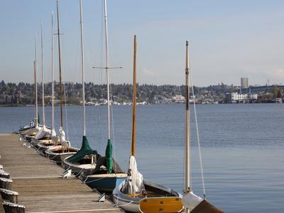 https://imgc.allpostersimages.com/img/posters/center-for-wooden-boats-lake-union-seattle-washington-usa_u-L-PN72770.jpg?p=0